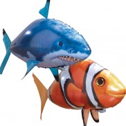 Air Swimmers Clownfish and Shark Kit